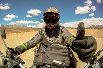 Alex Chacon, un périle à moto en Amérique Latine