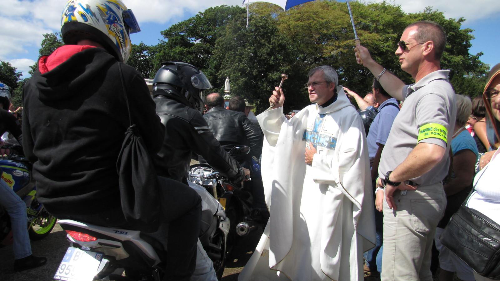 Madone des motards : La bénédiction