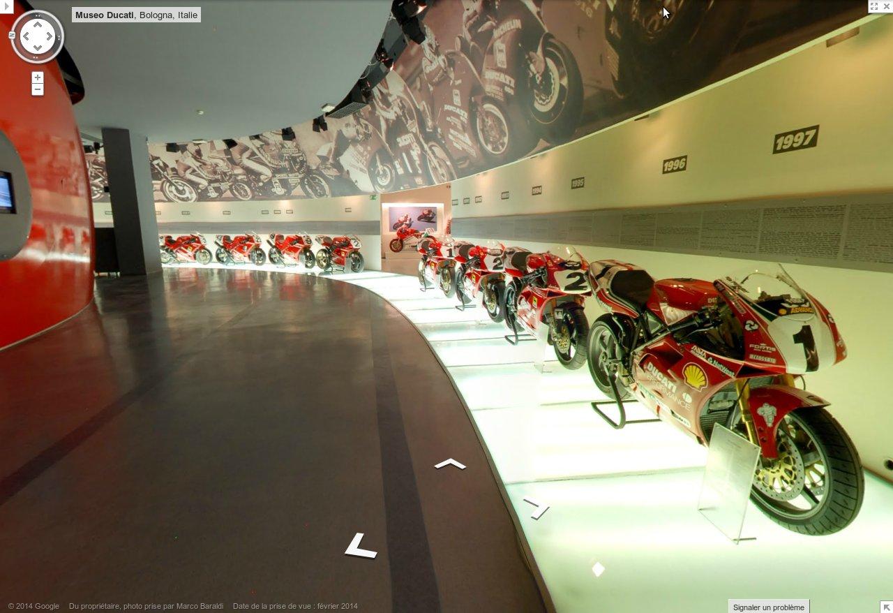 Les Ducati Superbike en file indienne