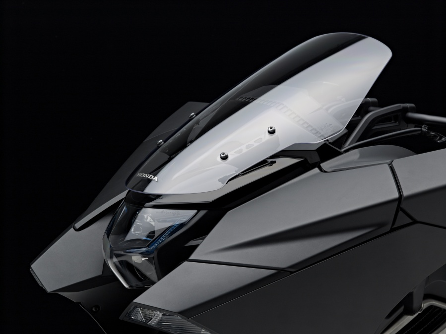 La Honda NM4 Vultus ne laisse personne indifférent