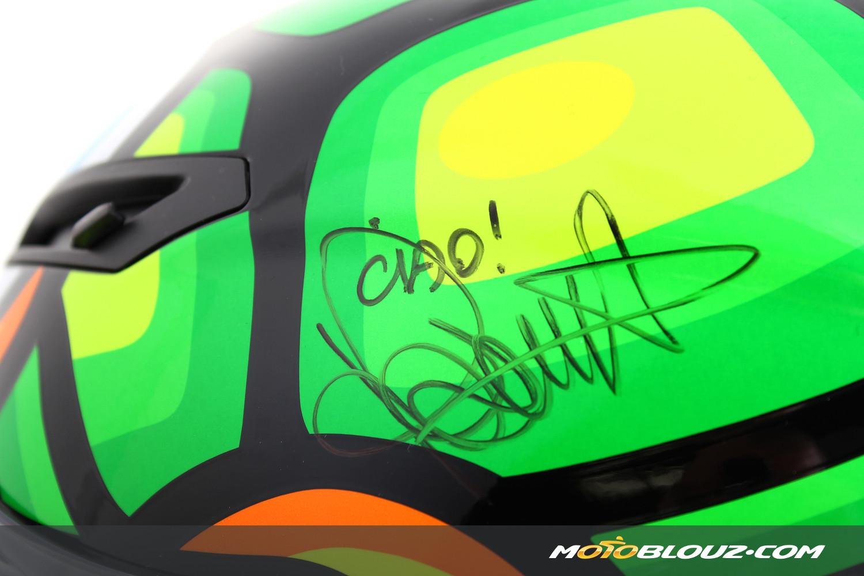 Le casque AGV Corsa Tartaruga Rossi dédicacé