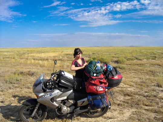 Mélusine et sa première moto, une Honda Varadero 125