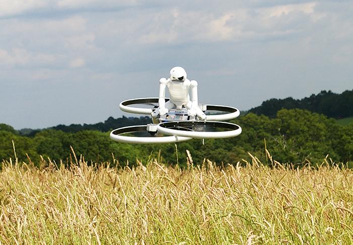 Le Drone 3, animé par quatre hélices