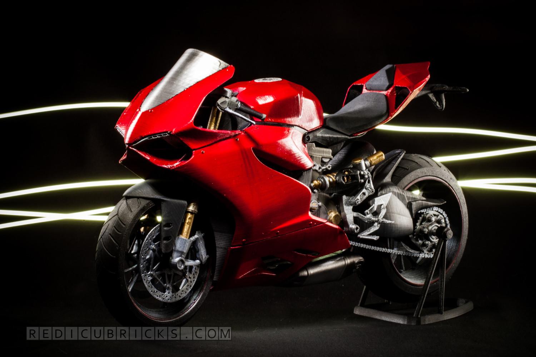 Cette Ducati Panigale est le fruit d'une imprimante 3d !