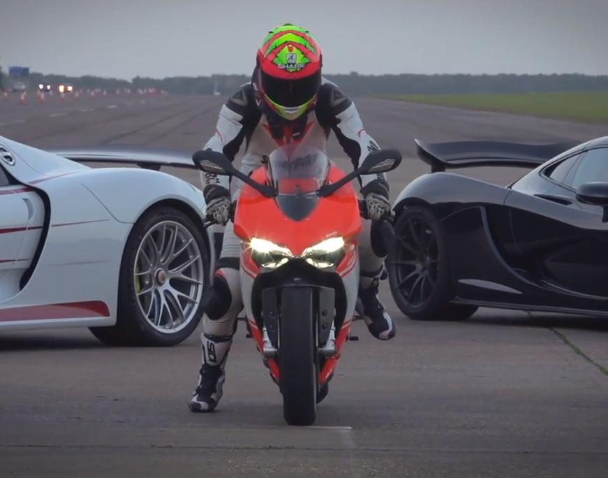 La Ducati Panigale Superleggera confrontée à la MacLaren P et à la Porsche 918 Spyder