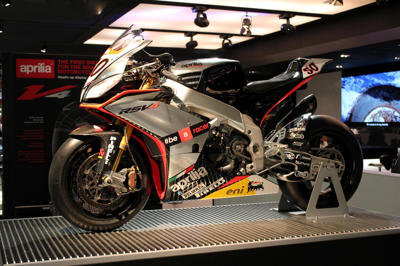 L'Aprilia RSV4 championne du monde, source d'inspiration pour l'Aprilia MotoGP