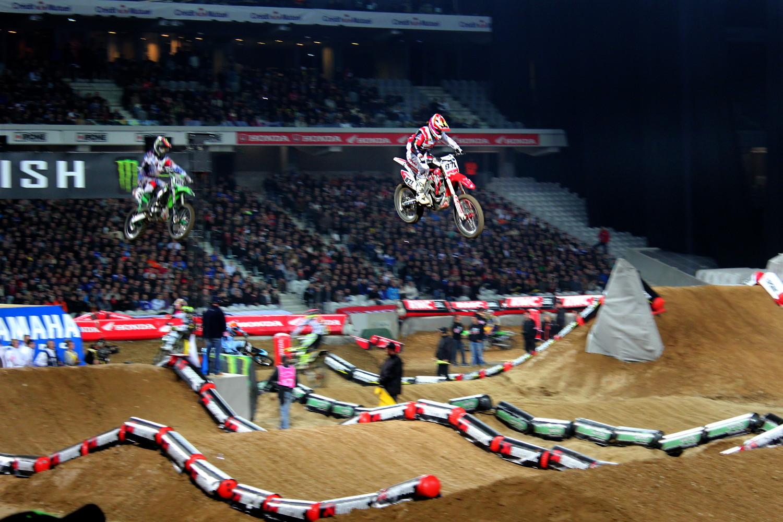 En Supercross, les places se gagnent dans les airs.
