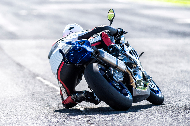 Le Racetec RR veut montrer la route sous son jour le plus sportif