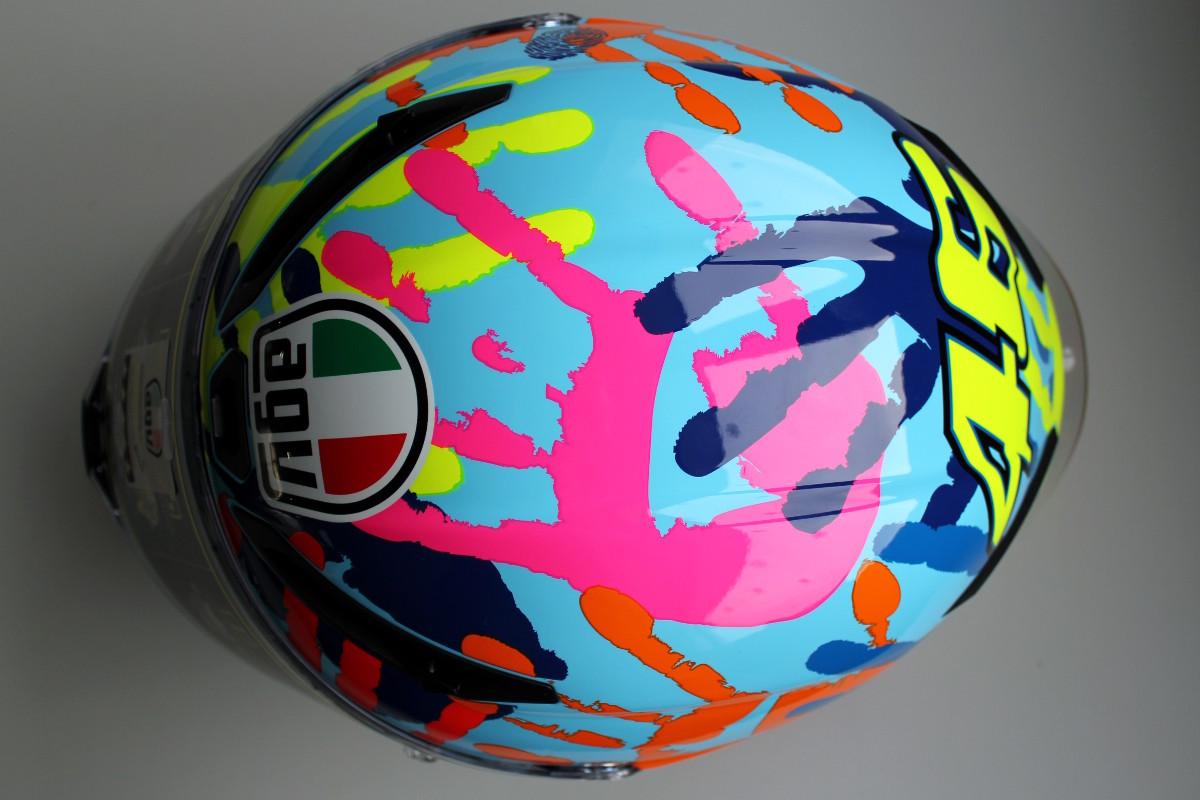 Les empreinte de mains des membres du team de Valentino Rossi
