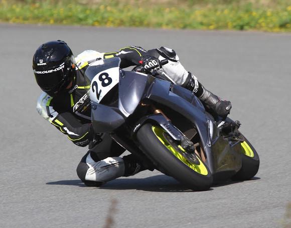 Essai des pneus Metzeler Racetec RR