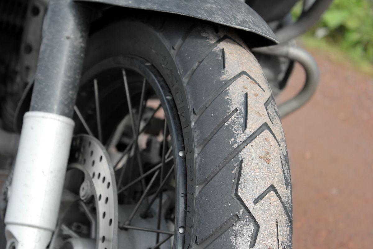 À l'aise sur tous les terrains, le Pirelli Scorpion Trail II ?