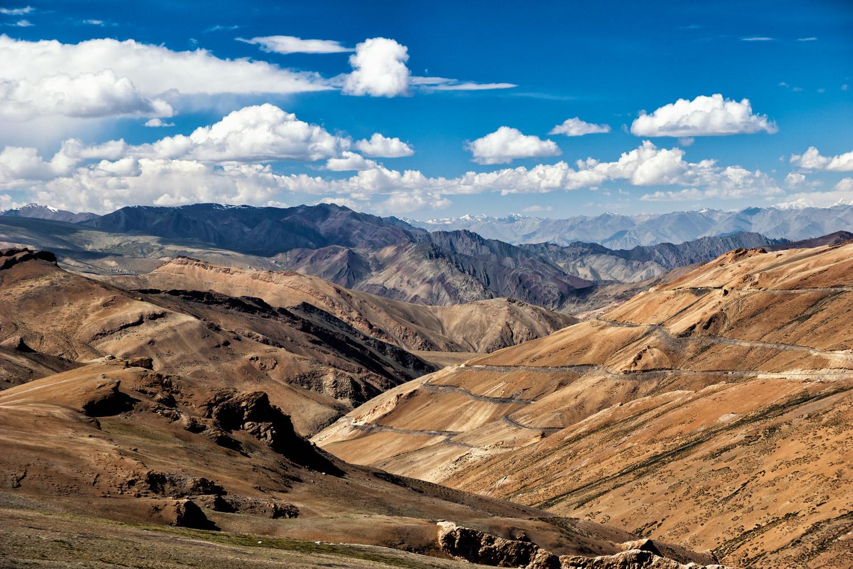 Le Ladakh affiche également un visage minéral quasi désertique