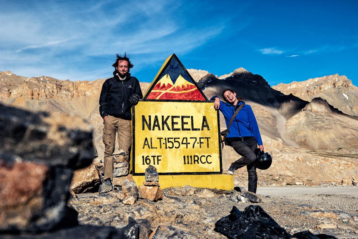 Benjamin et Mathilde au col de Nakeela (4 738 m)