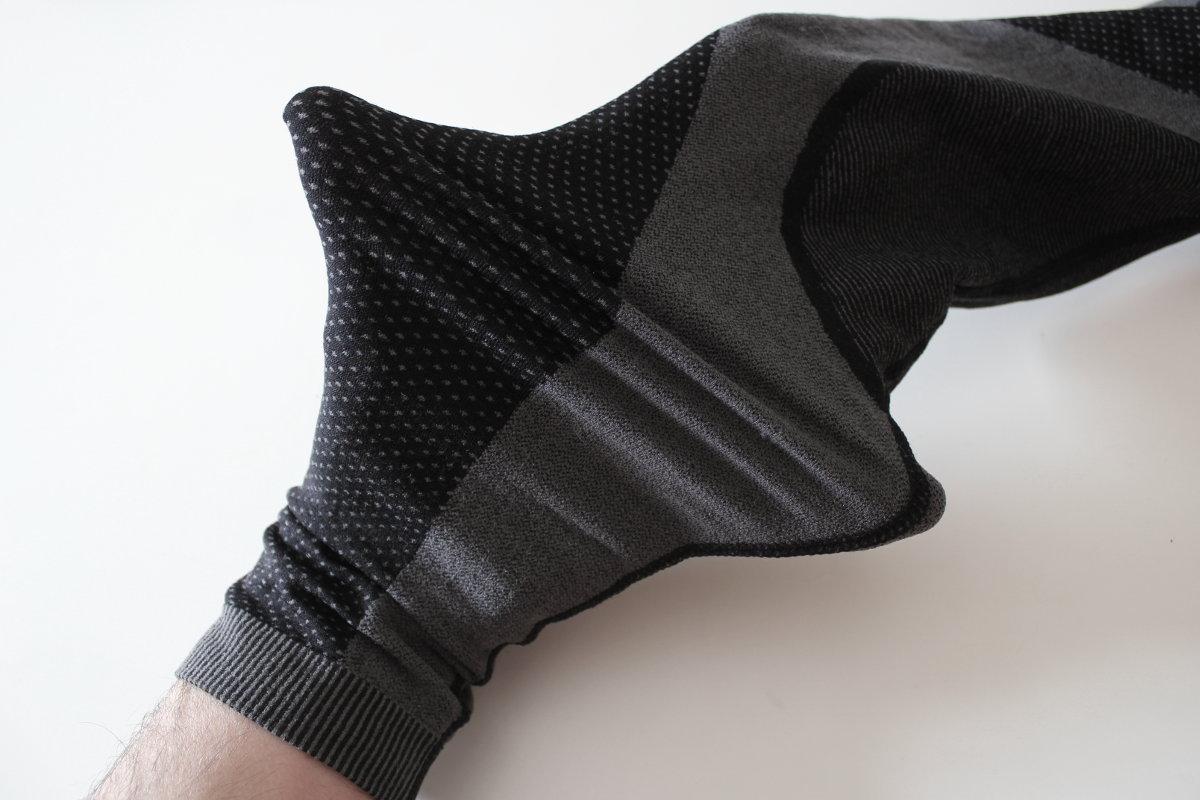 Le textile, très élastique, s'adapte à toutes les morphologies