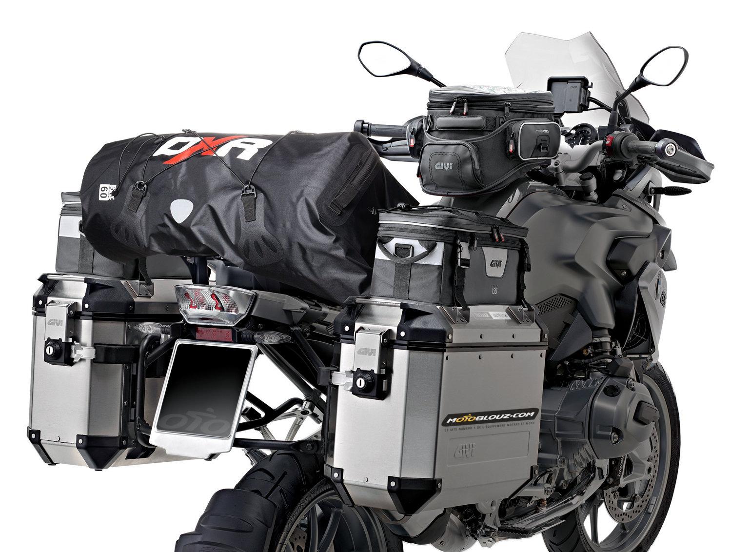 Avec ou sans porte-bagage, une sacoche de selle pourra avantageusement remplacer un top case