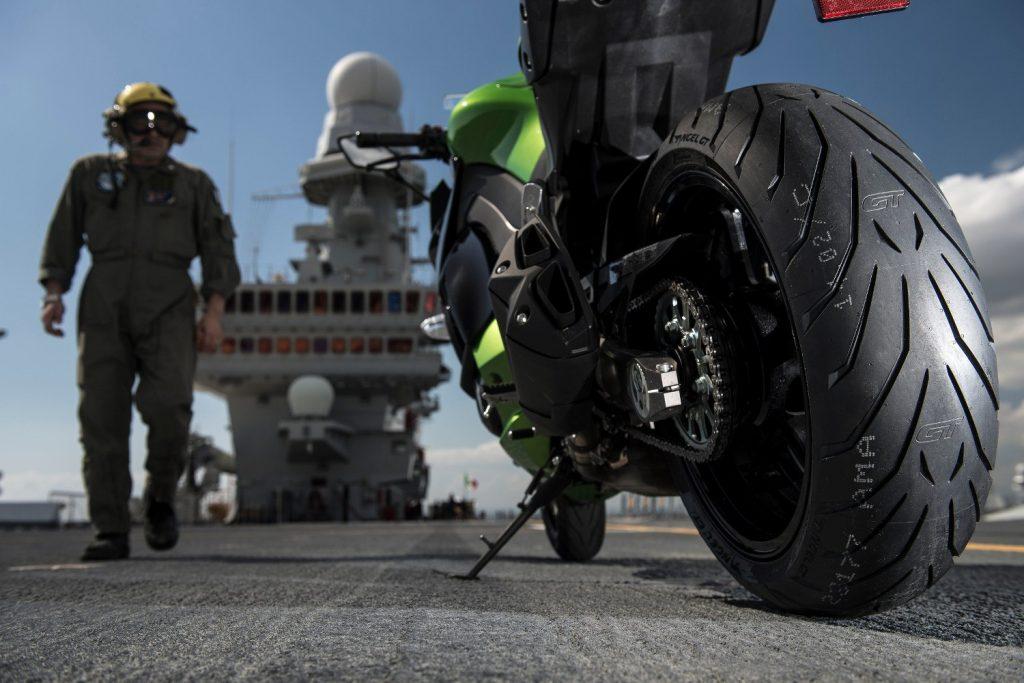 Le pneu moto Pirelli Angel GT