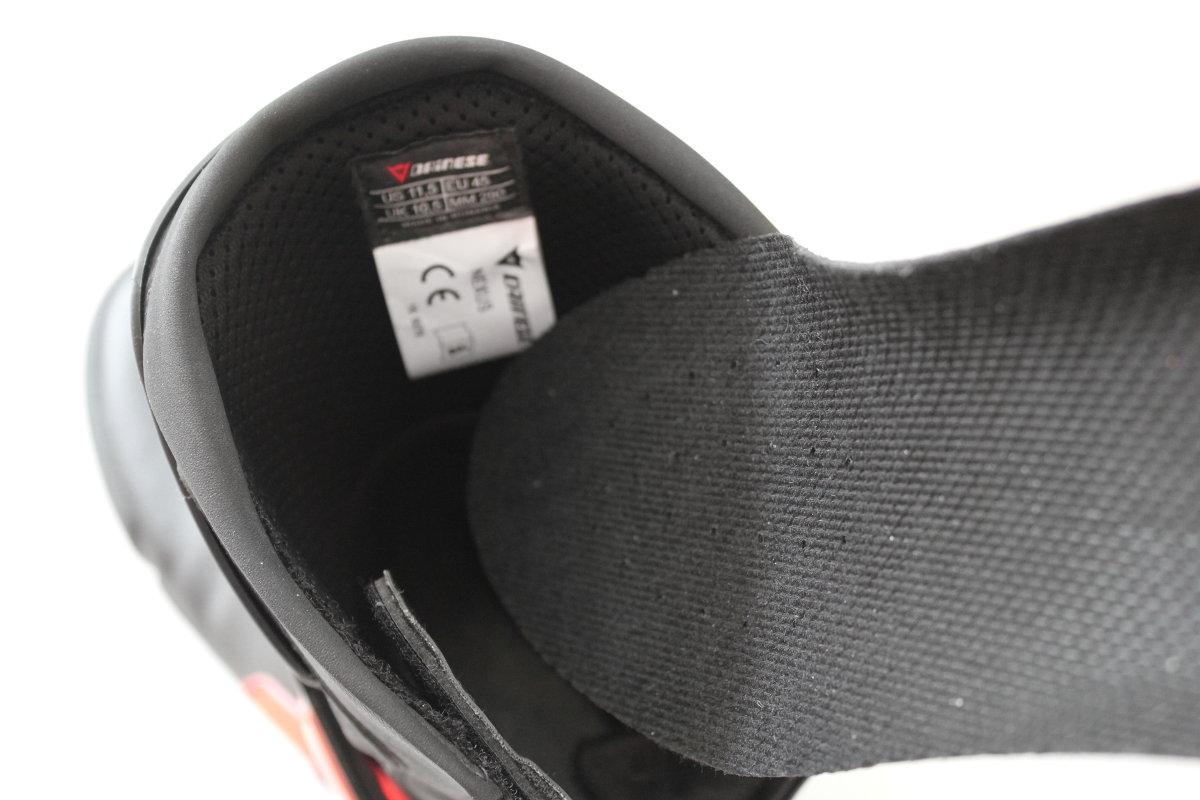 La semelle amovible des bottes Dainese Nexus