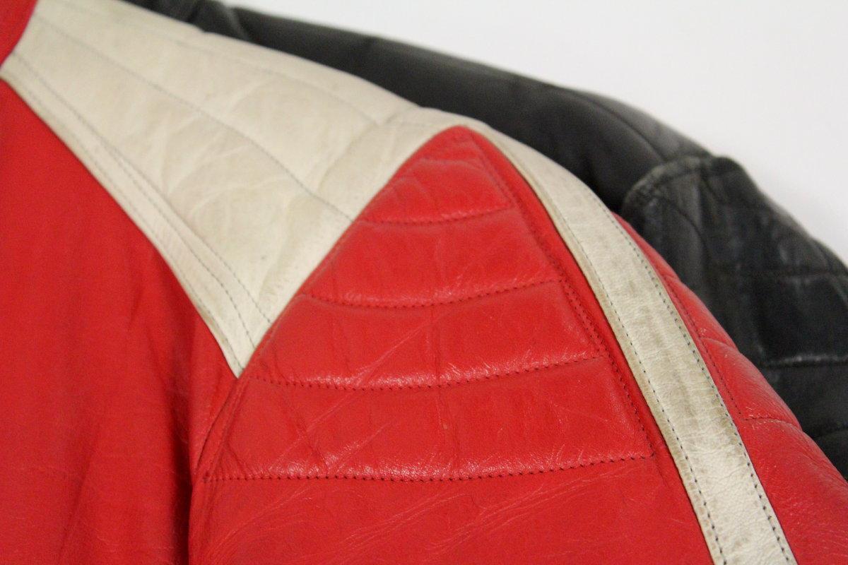 Les épaules matelassées, marque de fabrique de Furygan sur ses premiers blousons
