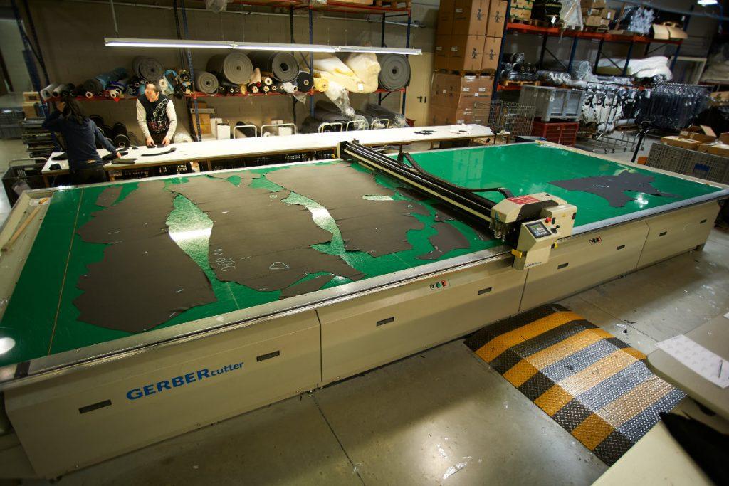 La Taurus, une table de découpe du cuir automatisée