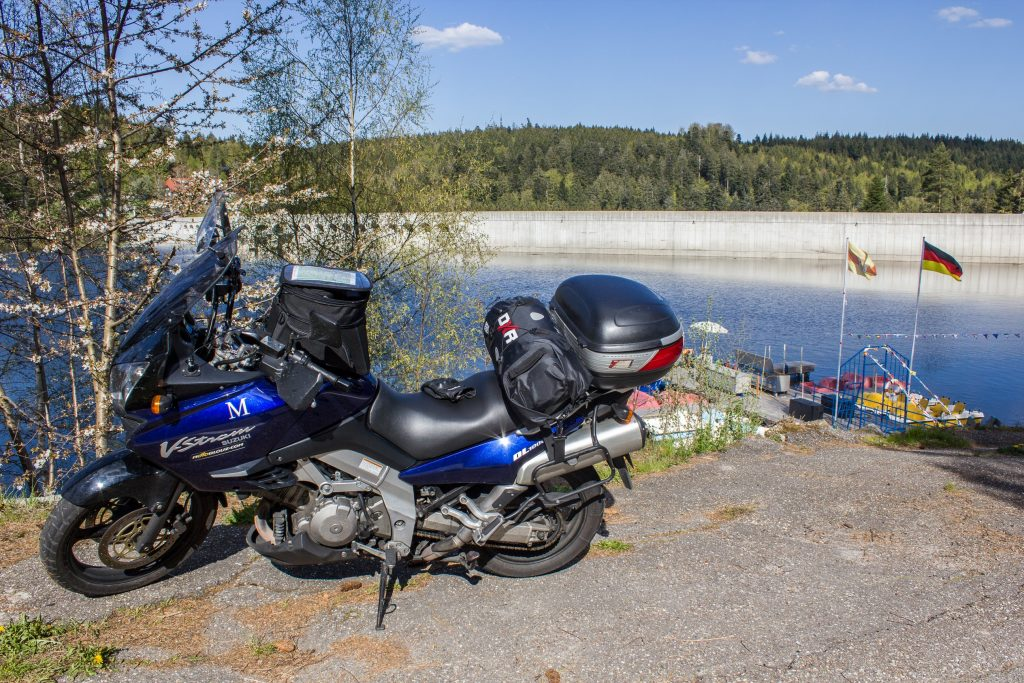 Un barrage au milieu de la Forêt Noire, l'occasion de faire une petite pause sympa!
