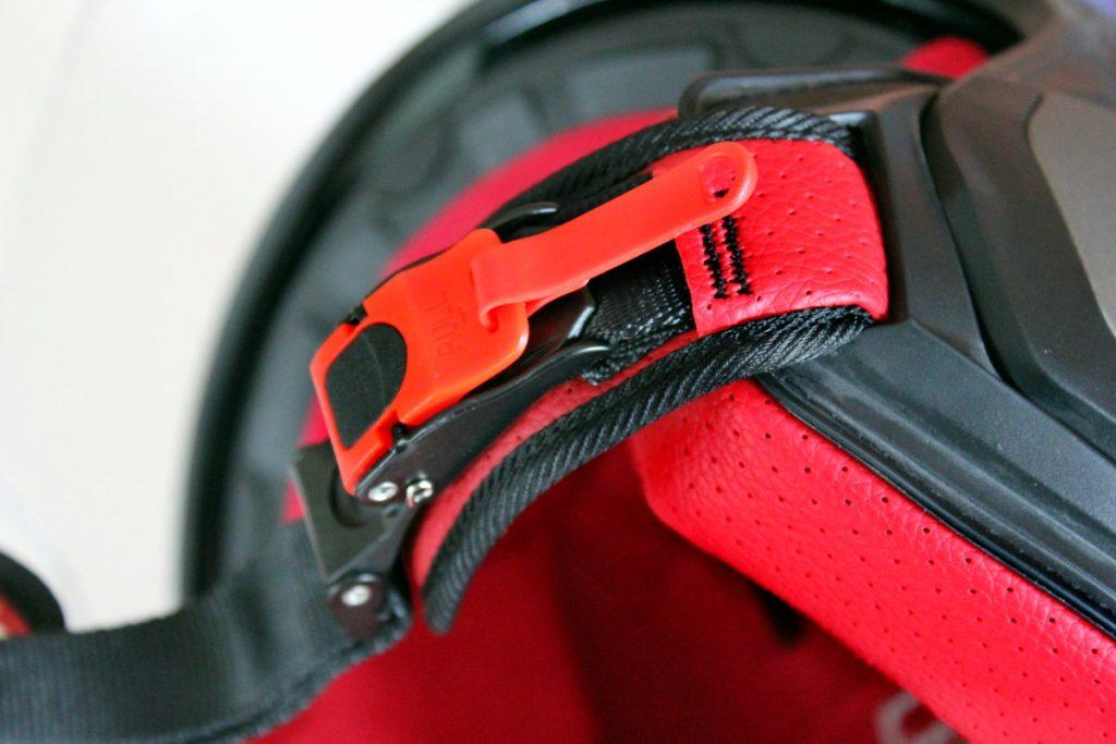 Le serrage est confié à une boucle micrométrique