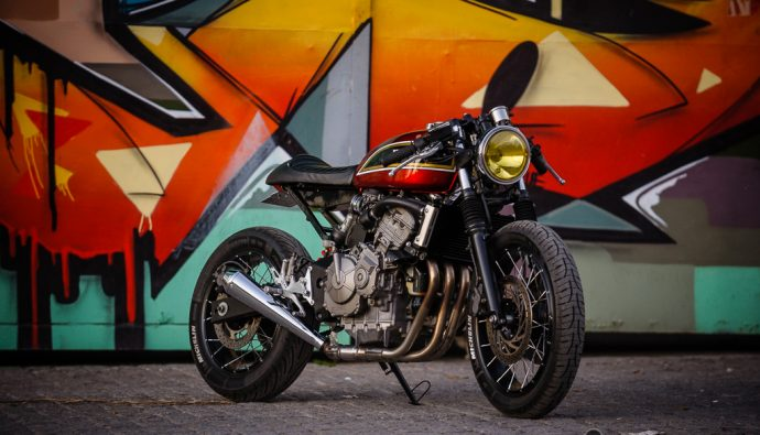 La Honda 600 Hornet modifiée par Jigsaw Customs Motorcycle