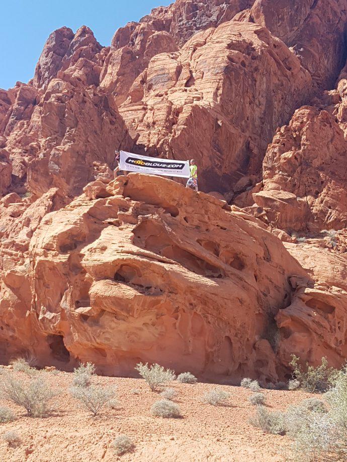 Logo Motoblouz sur les collines du Nevada