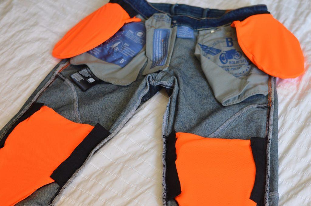 L'intérieur du Bolid'Ster Ride'Ster, et les poches réglables pour les renforts