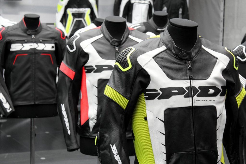Les blousons racing Spidi présentés dans le Showroom de la marque, à Sarego (Italie)