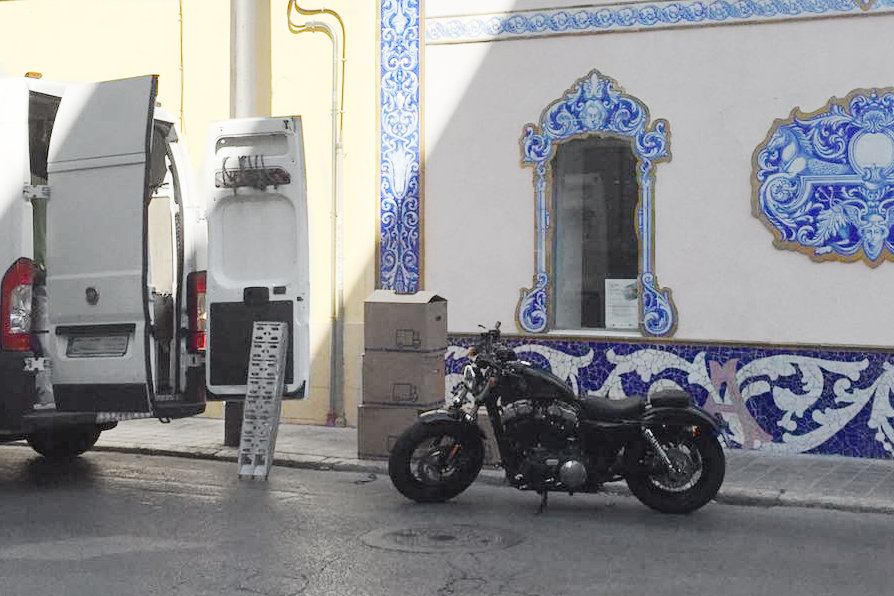 Bruno à moto en Espagne