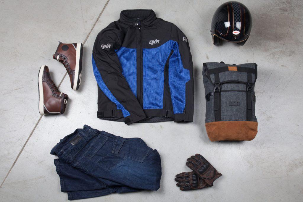Mon équipement : baskets V Quattro Twin, blouson DXR Add'air, casque Bell ROland Sands, sac à dos vintage DXR, jean DXR Denim Kevlar et gants DXR Puncher