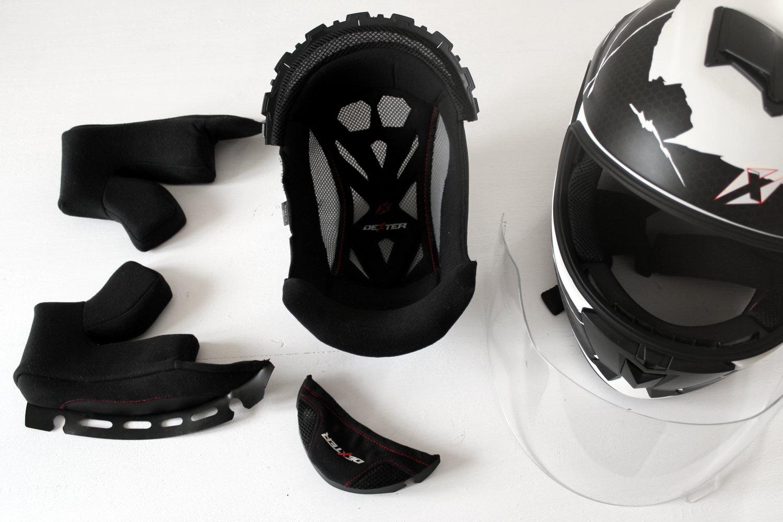 Première étape : démonter son casque pour laver les différents éléments séparément