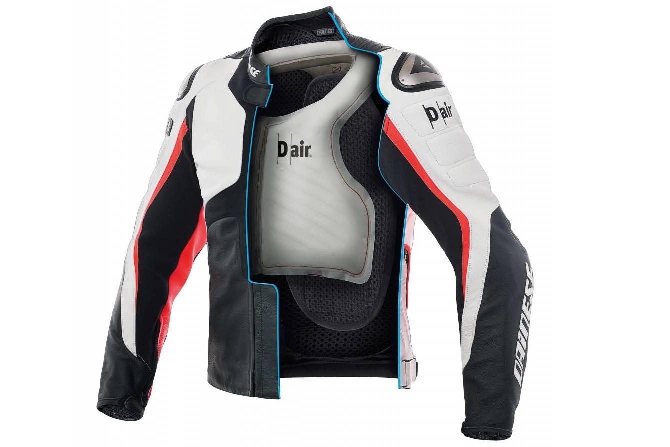 L'airbag du Dainese D-Air Misano 100 couvre essentiellement la poitrine