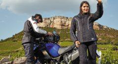 Le sac de sable partage plus que la conduite du pilote moto !