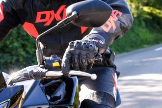 Les gants moto homologués obligatoires
