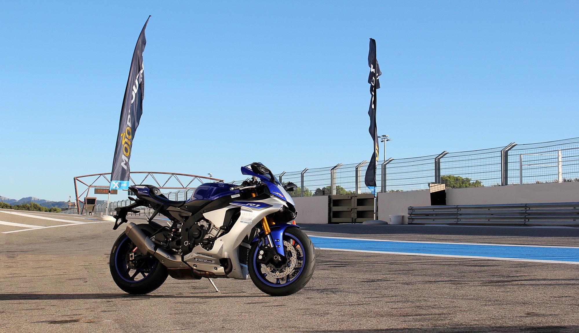 Yamaha YZF 1000 R1 2015 Motoblouz