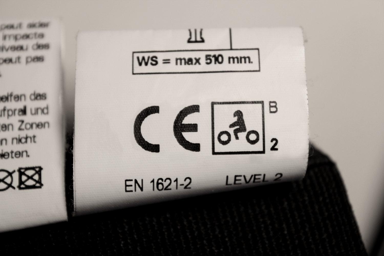 Étiquette de dorsale moto de niveau 2