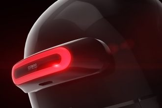 Comme un second feu stop, Cosmo Connected s'illumine automatiquement quand vous décélérez