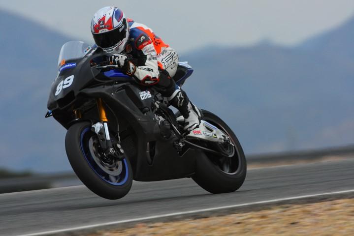 Yamaha R1 piste
