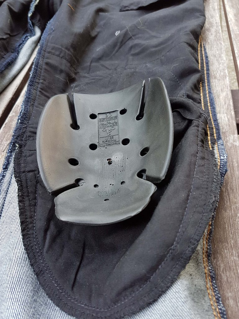 Protection genou DXR Karen et sa poche