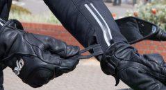 Patte de serrage poignet