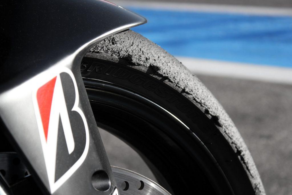 Utilisez vos pneus piste dans la saison après l'achat
