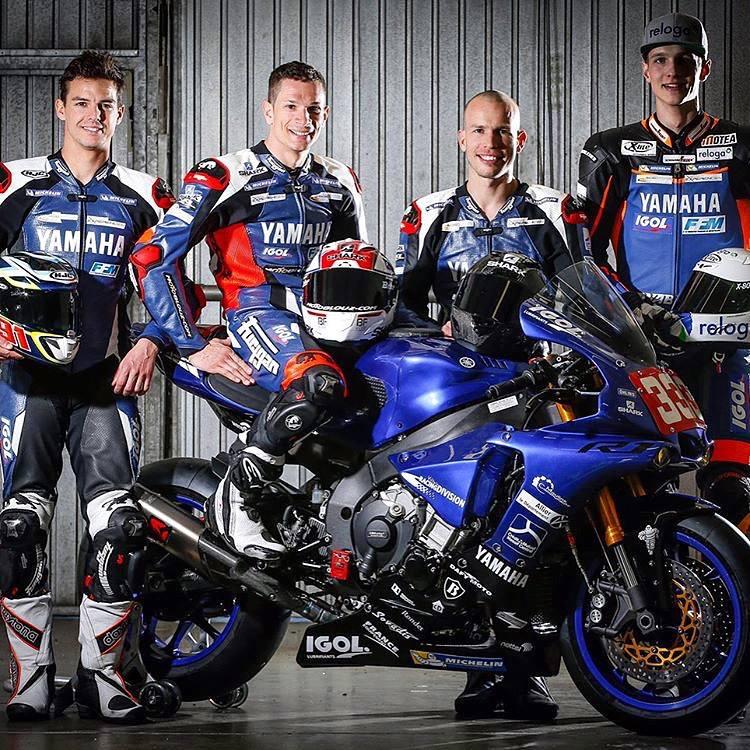 Les pilotes de la Yamaha n° 333 : de gauche à droite Bastien Mackels, Axel Maurin, Olivier Depoorter (le remplaçant) et Florian Alt