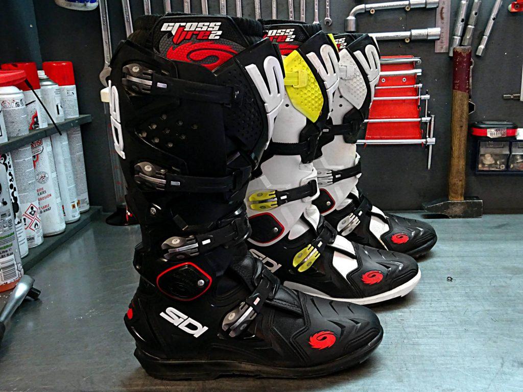 Les bottes Sidi Crossfire 2 SRS revendiquent un style canon et se montre dispo dans de nombreux coloris