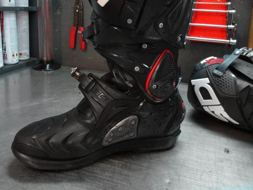 Chaque élément vissé est remplaçable sur ces bottes !