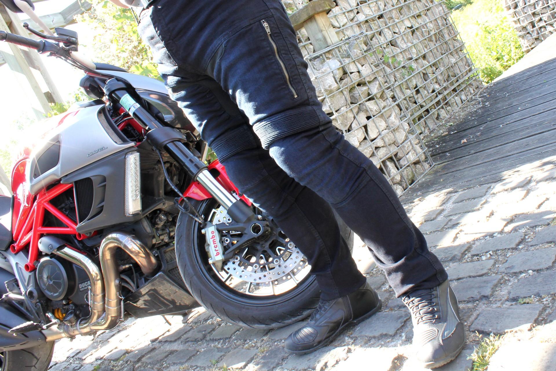 Jean moto ventilé