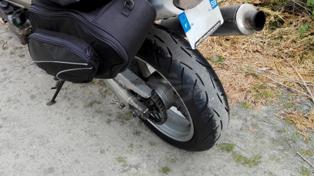 Un pneu neuf Metzeler à l'arrière !