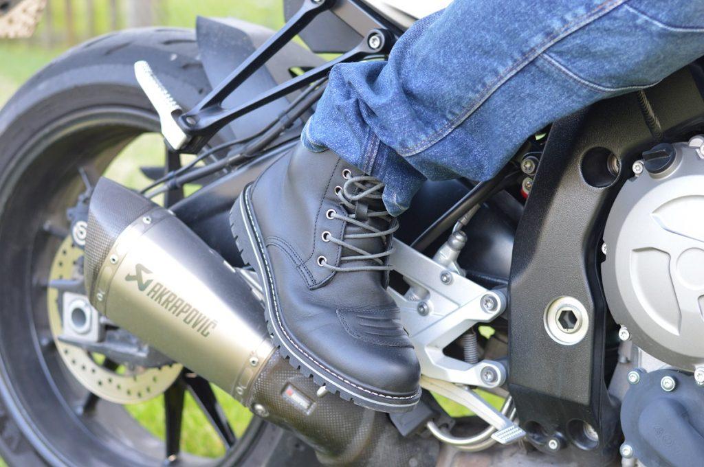 Les demi bottes DXR ont une membrane étanche