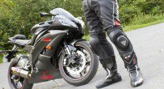 Pantalon Dainese Delta Pro C2, bottes DXR Code et Yamaha YZF-R6
