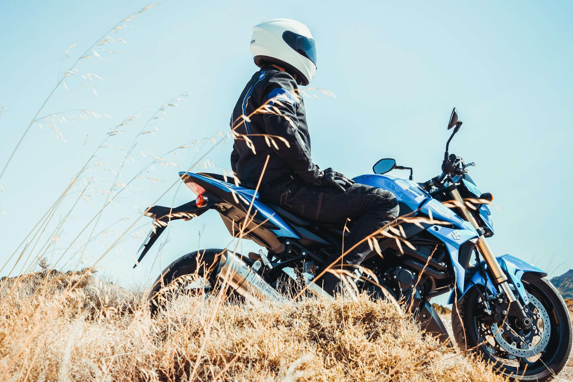 À moto n été